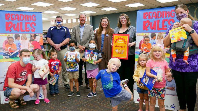 United Supermarkets teams up with Kellogg's to donate 1,000 books to Literacy Lubbock for...