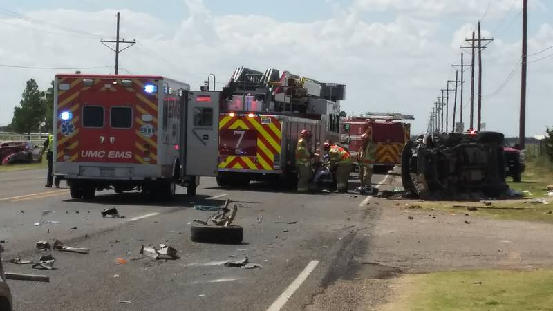 Two people were injured in a crash at 4th Street and Alcove Ave. on Aug. 31, 2021.